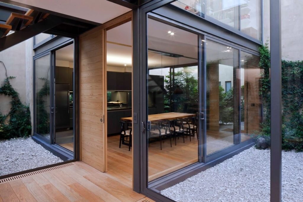 Residential Home Glass Repair in Melbourne
